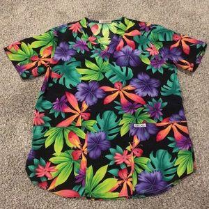 Hawaiian luau scrub top with 2 pockets